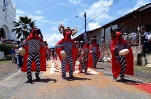 El jueves 20, se realizará la tradicional eucaristía y procesión de Corpus, incluyendo la exposición de las coloridas alfombras por las principales calles de la festividad.