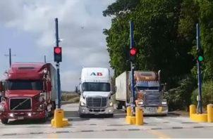 El corredor logístico ha sido reacondicionada para uso de camiones de carga, que tendrán que pagar $6.50 de peaje. Foto/Clarissa Castillo