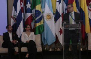 El taller realizado hace unos días busca generar un diálogo regional sobre la problemática del lavado de activos a través del comercio. Foto: Víctor Arosemena