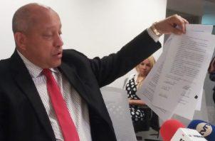 Adames dijo que la responsabilidad es compartida con los otros firmantes. Adiel Bonilla