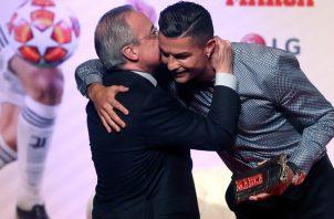 Cristiano y Florentino compartieron un momento de complicidad.