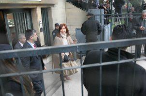 Cristina Fernández desde que salió del Gobierno enfrenta varias dificultades judiciales.