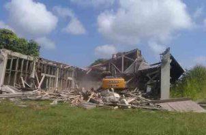 Varios edificios han sido demolidos por estar muy deteriorados. Foto/Diómedes Sánchez