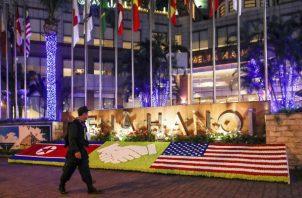 Se desconocen los motivos por los cuales estaba previsto desde el inicio que la prensa estadounidense y el dictador norcoreano compartieran hotel.