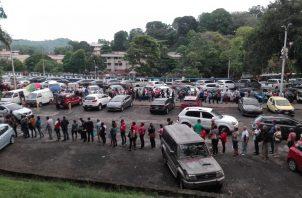 El viacrucis por un cupo para cita de especialidad médica en la Caja de Seguro Social. Foto: Panamá América.