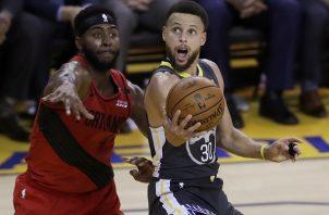 Curry lideró el triunfo de Golden State.