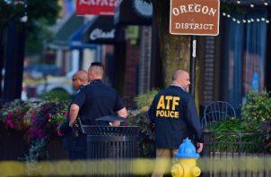 El tiroteo, que comenzó a la 1.00 hora local, ocurrió en las proximidades del bar Ned Peppers, al oeste del centro de Dayton, hasta donde se desplazaron numerosos agentes de policía y ambulancias, según testigos citados por medios locales. FOTO/AP