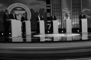 Los siete candidatos presidenciales han centrado sus discursos en los temas internos que son de interés nacional y han dedicado poco tiempo a presentar sus propuestas de política exterior. Foto: Víctor Arosemena.