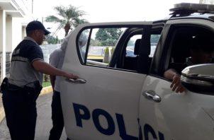 Al momento de realizar la revisión dentro del vehículo Hyundai se observó una bolsa y dentro encontraron 13 paquetes rectangulares de cocaína. Foto/Mayra Madrid