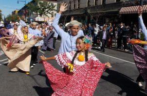 Entusiasmados y muy alegres reaccionaron los organizadores de la comitiva panameña al alzarse con el primer lugar.