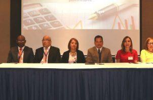 La DGI dictó seminario a dueños de colegios sobre deducciones de gastos escolares.