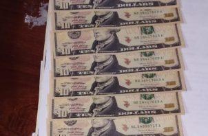 Trataron de introducir billetes falsos de $5.00 y $10.00 en distintos comercios en Las Tablas. Foto/Cortesía