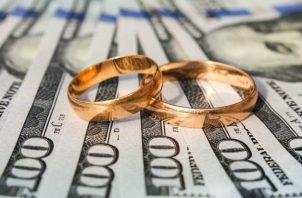 Hay 4 puntos que toda pareja debe tomar en cuenta para que el dinero no sea un problema.