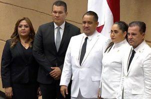 La nueva Junta Directiva de la Asamblea está conformada por diputados de los partidos PRD, Cambio Democrático y Molirena. Foto de cortesía