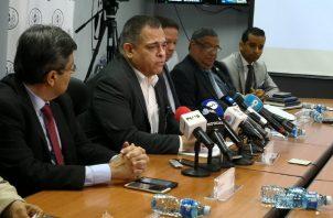 Julio García (segundo de izquierda a derecha) es el actual director. Foto de cortesía