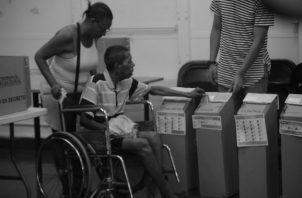A las personas con discapacidad, les invito a que antes de votar revisen si los partidos políticos los han tomado en cuenta al incluirlos en sus planes de gobierno. Foto: Archivo.