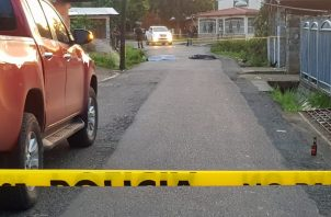 Testigos indicaron que los fallecidos habían llegado desde la 24 de Diciembre para visitar a una amiga. Foto: Crítica.