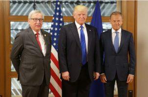 El presidente de loa Estados Unidos, Donald Trump y Jean-Claude Juncker, presidente de la Comisión Europea. EFE