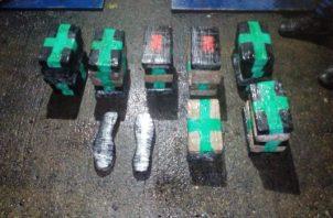 La droga tipo suela fue encontrada en un contenedor. Foto/Diómedes Sánchez