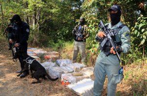 La droga fue ubicada en el área de San Pedro, en Cerro Azul.