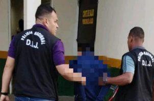 El sujeto y la droga la cual no fue especificadas  fueron puestas a órdenes de las autoridades correspondientes. Foto/Mayra Madrid