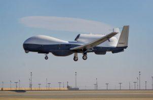 Vista de un dron MQ-4C de la Fuerza Aérea de EE.UU. Foto: EFE.