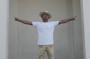 Duiren Wagua, cineasta guna, coproductor de La Casa de Papel en la comarca Guna en Panamá. Víctor Arosemena