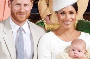 Duques de Sussex y su pequeño heredero, Archie. Foto:https://www.nuevamujer.com