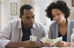 En la mayoría de los casos, las mujeres se muestran más celosas con sus ingresos, pero disponen siempre de los ingresos de su pareja.