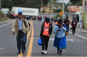 El mandatario ecuatoriano decretó el estado de excepción en el país, y los indígenas hicieron lo propio el sábado con la advertencia de que retendrán a miembros de las fuerzas del orden que ingresen en sus dominios.