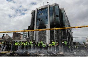 La reanudación de los disturbios se dio pocas horas antes del inicio del diálogo entre los dirigentes indígenas y el presidente Moreno, que se desarrollará en las instalaciones de la Escuela Superior Politécnica del Ejército (ESPE), situado en el sector del valle de Sangolquí, un valle en el este de la ciudad.