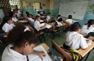Los estudiantes de tercer y sexto grado tienen días para corregir defectos y obtener buenos resultados en la prueba. Foto: Panamá América