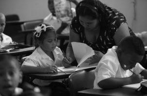 Educadores le prestan la debida atención a la comunicación interpersonal con los estudiantes.