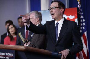 Steven Mnuchin anuncia la medida contra el Gobierno chavista.  FOTO/EFE