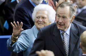 """""""Jeb, Neil, Marvin, Doro y yo anunciamos con tristeza que después de 94 años extraordinarios, nuestro querido padre ha muerto"""", dijo en el comunicado."""