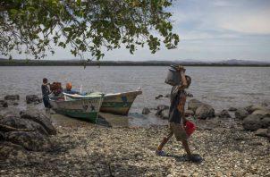 China planeaba un puerto global de embarques en la Isla Perico, hogar de unas 35 familias, antes de resistencia de EU. Foto/ Daniele Volpe para The New York Times.