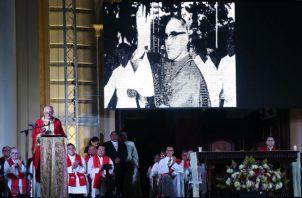 Los actos religiosos y culturales para celebrar la canonización del beato salvadoreño comenzaron la tarde del sábado en varios puntos de San Salvador.