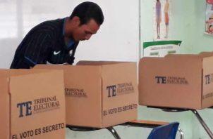Los centros de votación cerrarán a las 4:00 p.m. Archivo