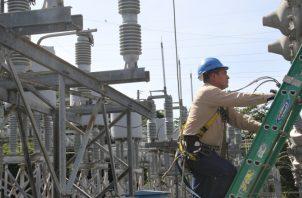 La tarifa eléctrica subiría para los que consumen más de 300 kWh. Archivo