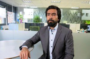 Carlos Alberto Ruiz,asesor jurídico del ELN,, precisa que el atentado del 17 de enero le supuso un alto costo político  a ese grupo. FOTO/EFE