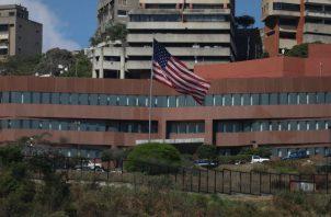 La suspensión del programa de visado se produjo un día después de que Nicolás Maduro anunció la ruptura de las relaciones diplomáticas con Estados Unidos.