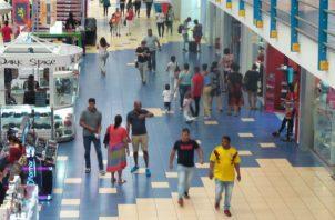 El sector servicio es el principal motor de la economía panameña