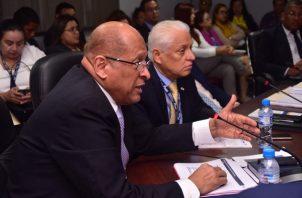 El ministro Alexander presentó el proyecto ayer a la Asamblea. Foto de archivo