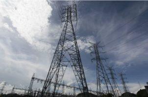 Actualmente existe en el país más de 1 millón de clientes que recibe el servicio de electricidad. Foto/Archivo