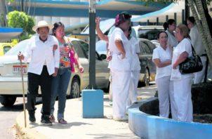 Tanto las autoridades como empleadas están para ayudar al pueblo. Foto: Panamá América
