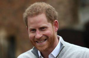 El príncipe Enrique del Reino Unido anuncia que su mujer, duquesa de Sussex, Meghan, ha dado luz a su primer hijo. Foto: EFE.