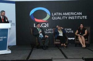 Expertos hablaron sobre la Responsabilidad Social  Empresarial y la ética, entre otros temas. Cortesía de Hermes González.