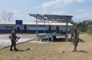 El apoyo para los trabajos estéticos y de limpieza ya comenzaron en algunas escuelas. Foto: Cortesía