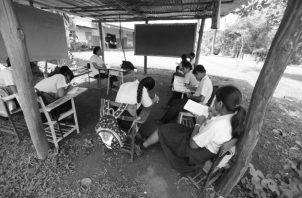 Infraestructuras en mal estado retrasan el inicio del año escolar en muchos lugares del país. Foto: Archivo.