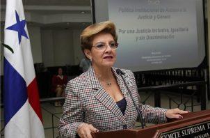 Esmeralda de Trotiño fue magistrada de la Corte Suprema de Justicia en Panamá.
